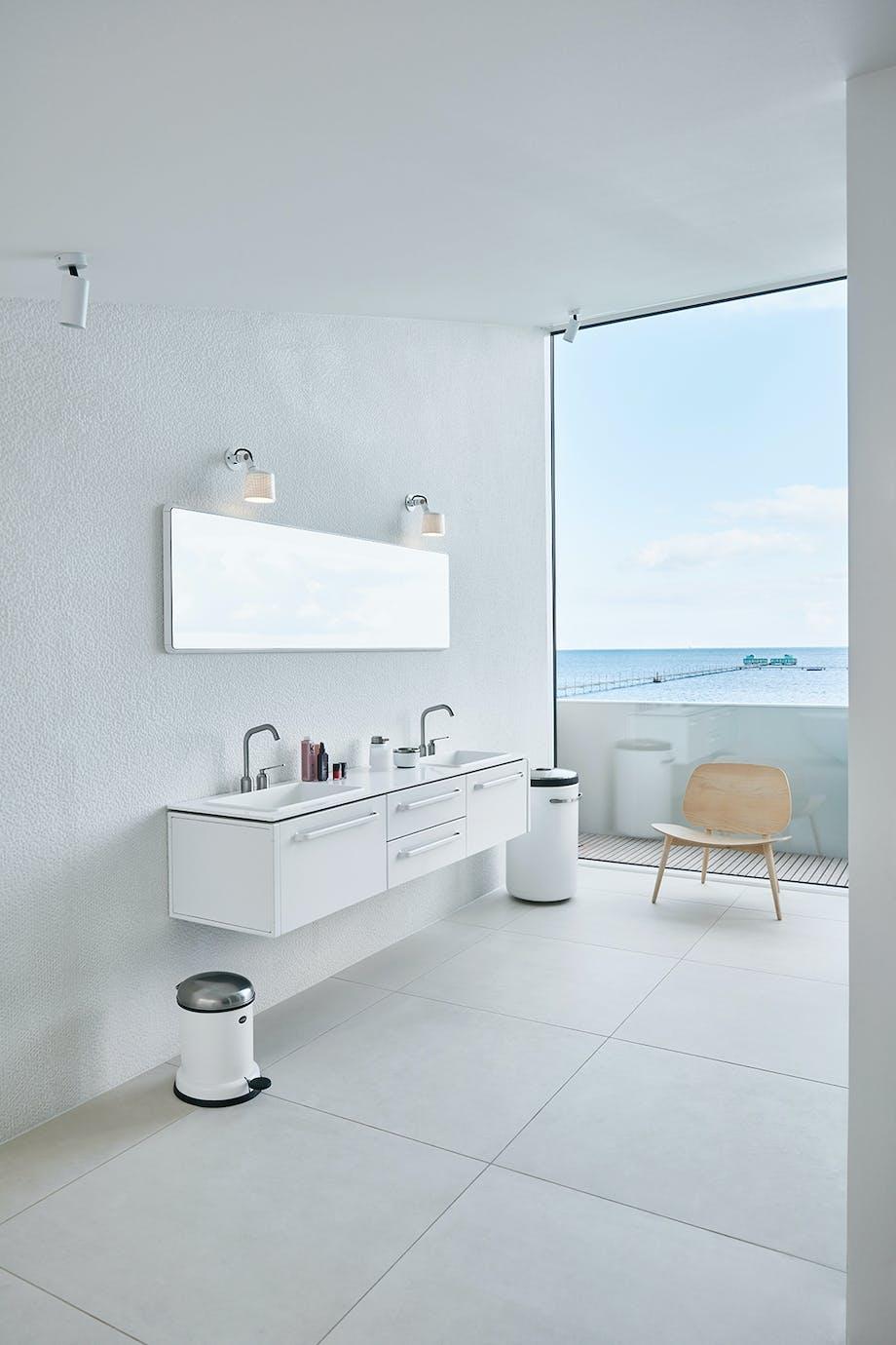 vipp badeværelse hvidt skalstol