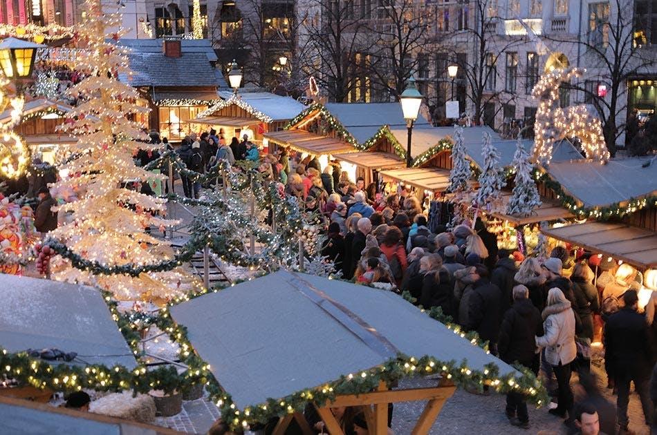 højbro plads julemarked bjælkehytter juletræ