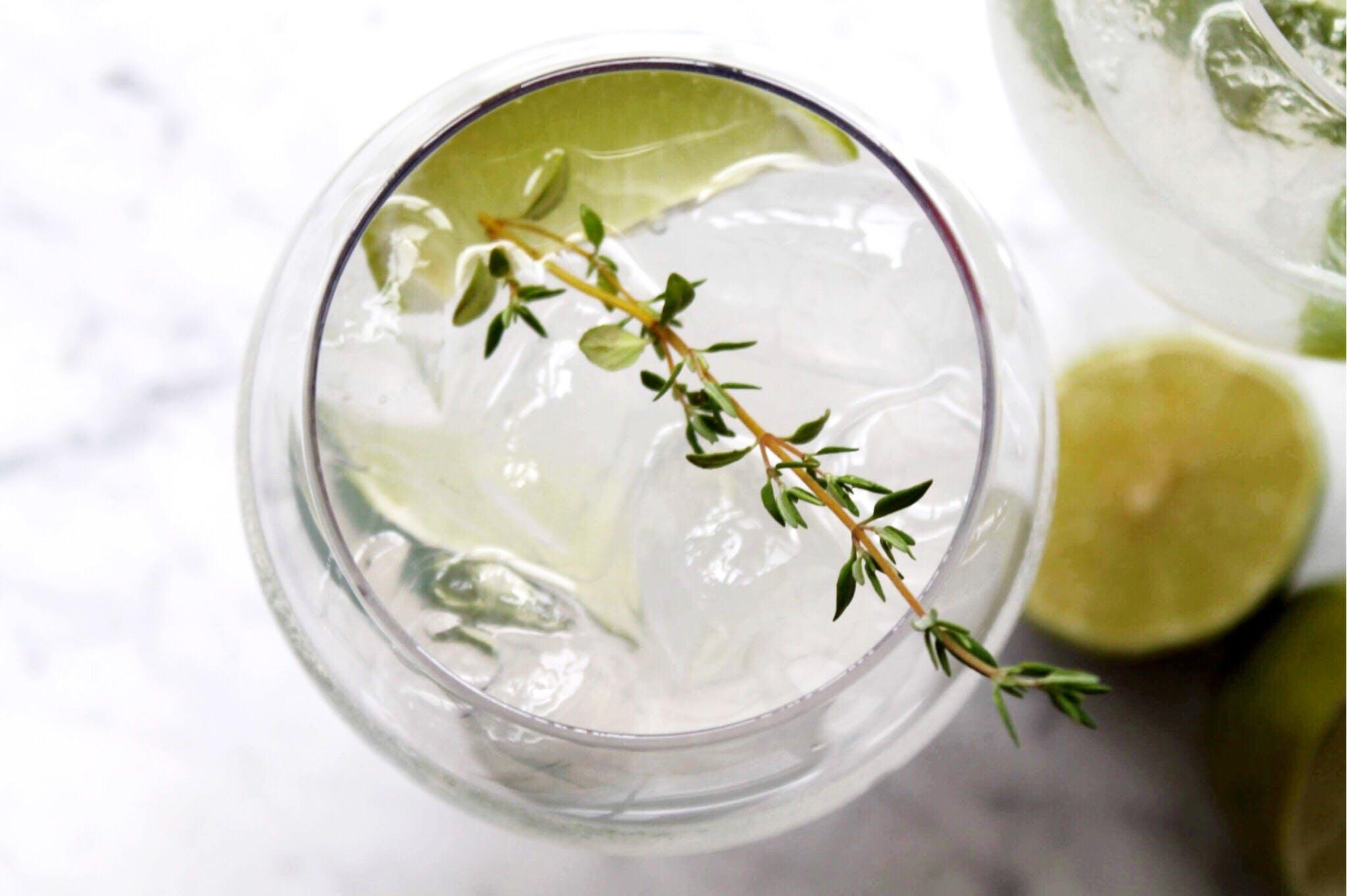 Cointreau Fizz: Drinken som vælter G&T af pinden