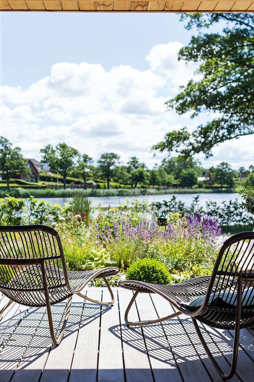 terasse udsigt sø udemøbler stol