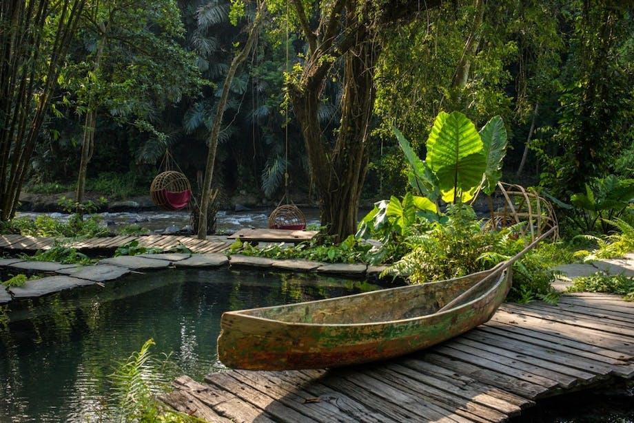 Båd flod luksushotel bali