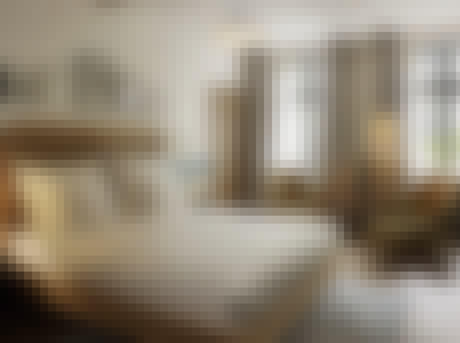 hotel sanders seng soveværelse lænestol