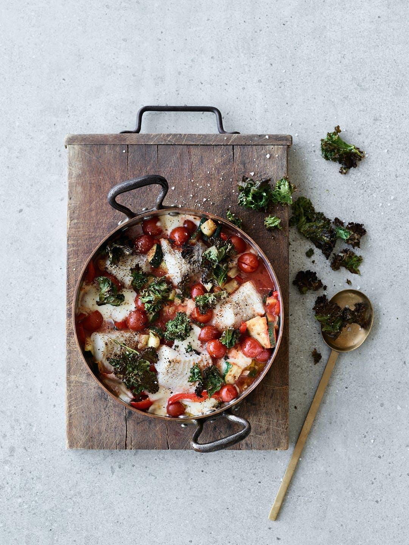 aftensmad opskrift nem one pot torsk cherrytomater mozzarella grønkål
