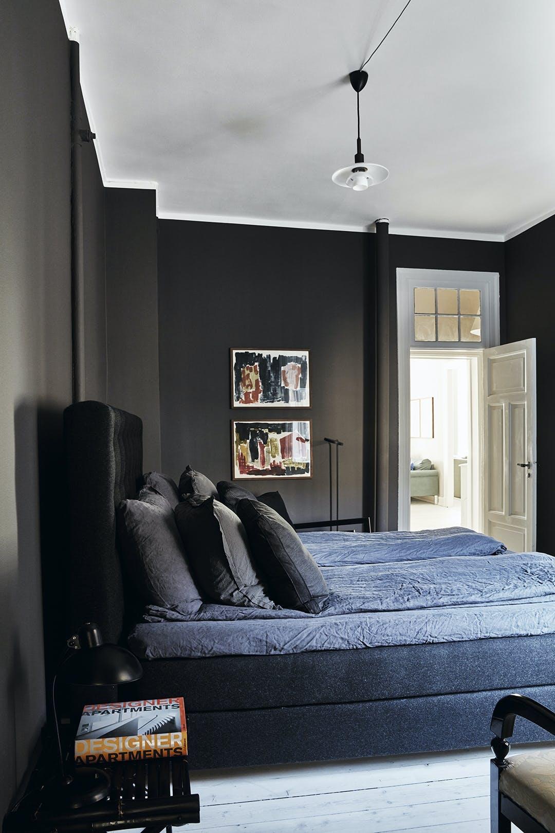Soveværelse seng mørkeblå