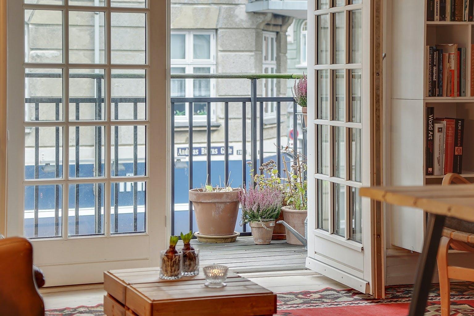 Neel Rønholt stue lejlighed altan