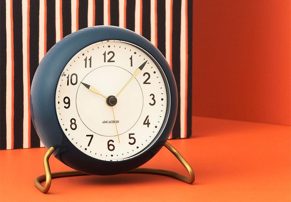 Moderne 9. december: Vind Station bordur fra Arne Jacobsen Clocks | bobedre.dk WK-94