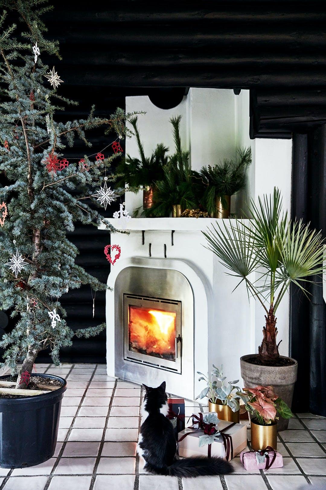 brændeovn kamin jul juletræ pynt julepynt juledekoration