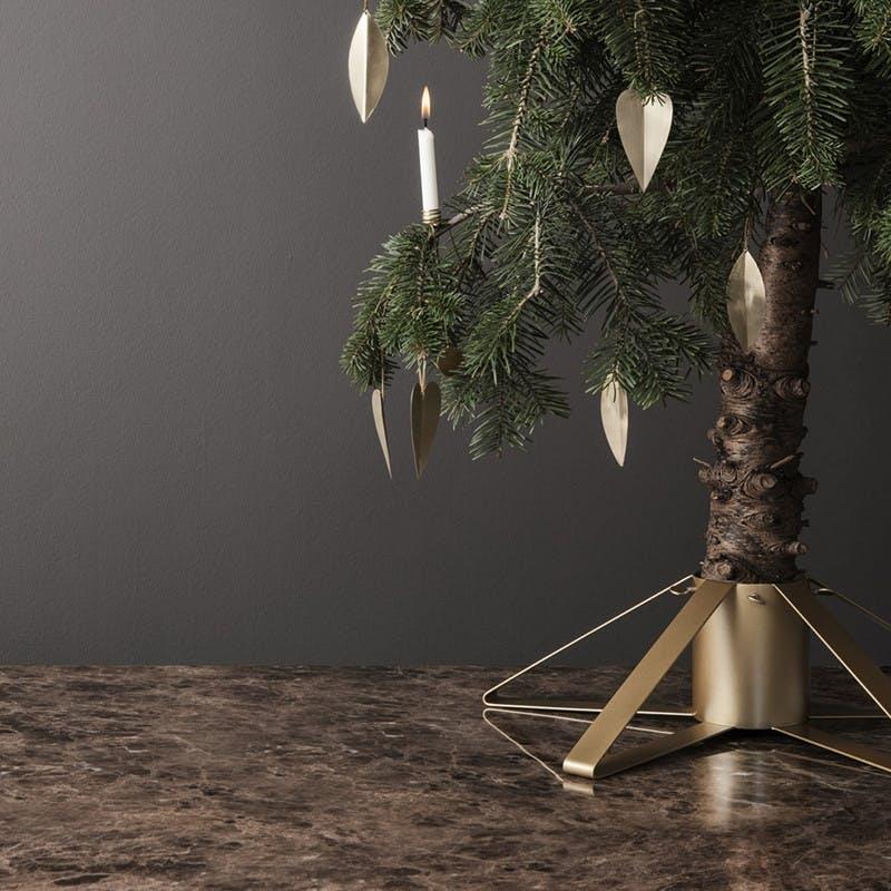 juletræsfod ferm living messing guld