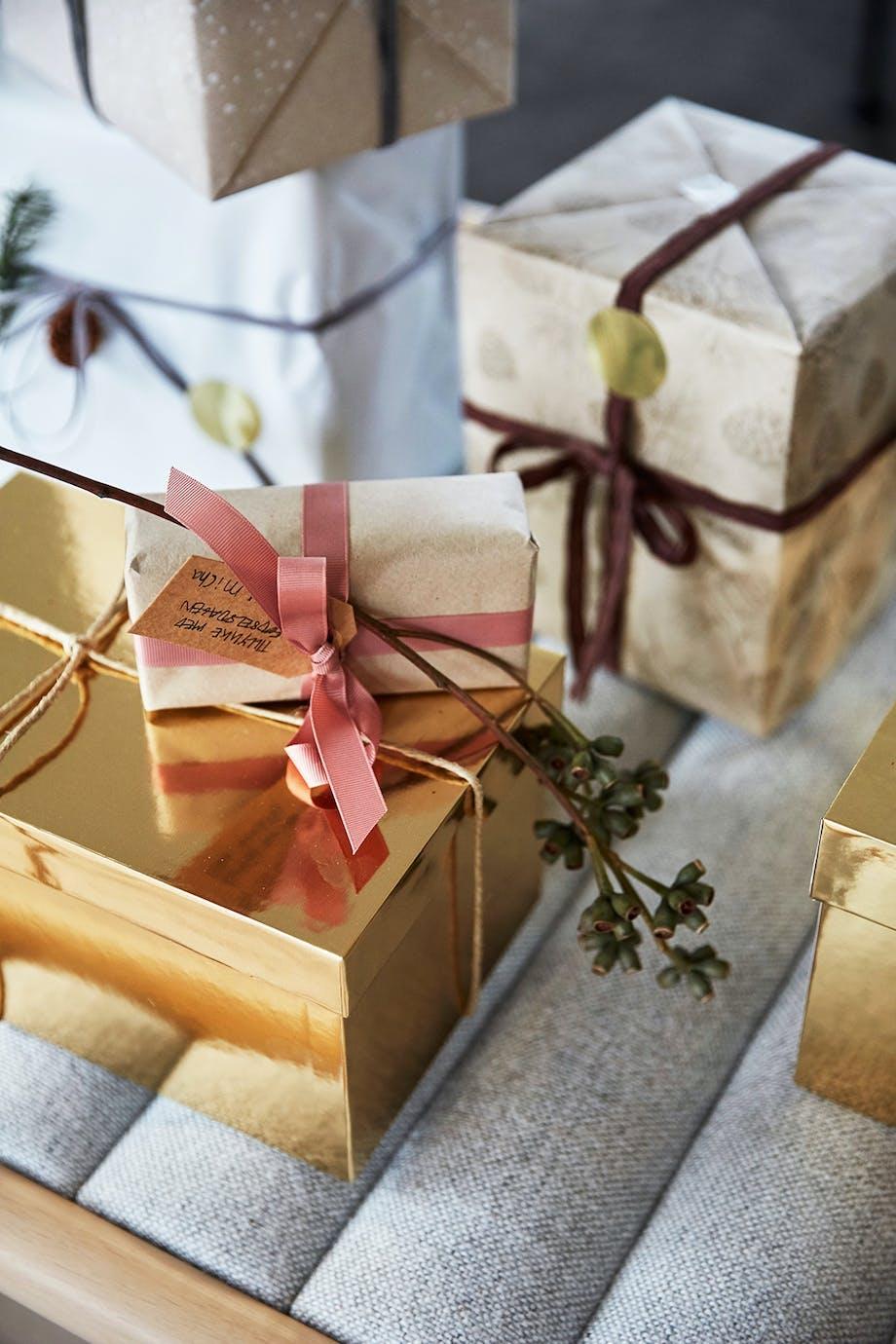 gaver julegaver pakker indpakning