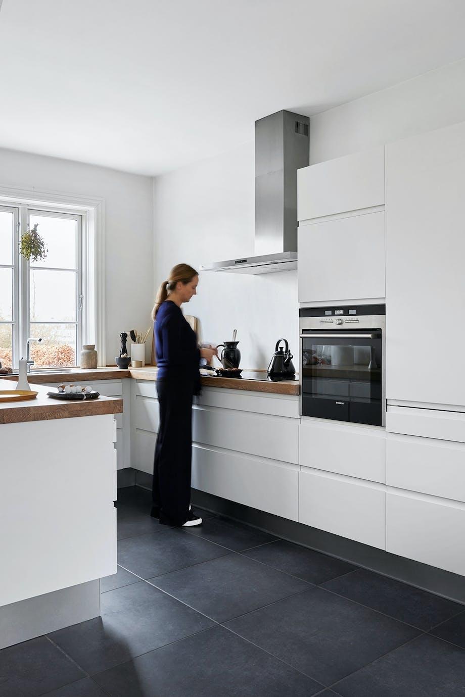 køkken hvidt køkkenskabe indretning moduler