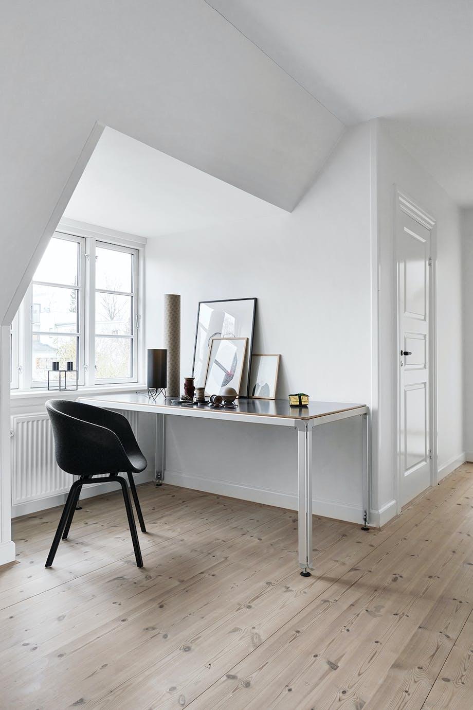 skrivebord kontor indretning skrivebordsstol