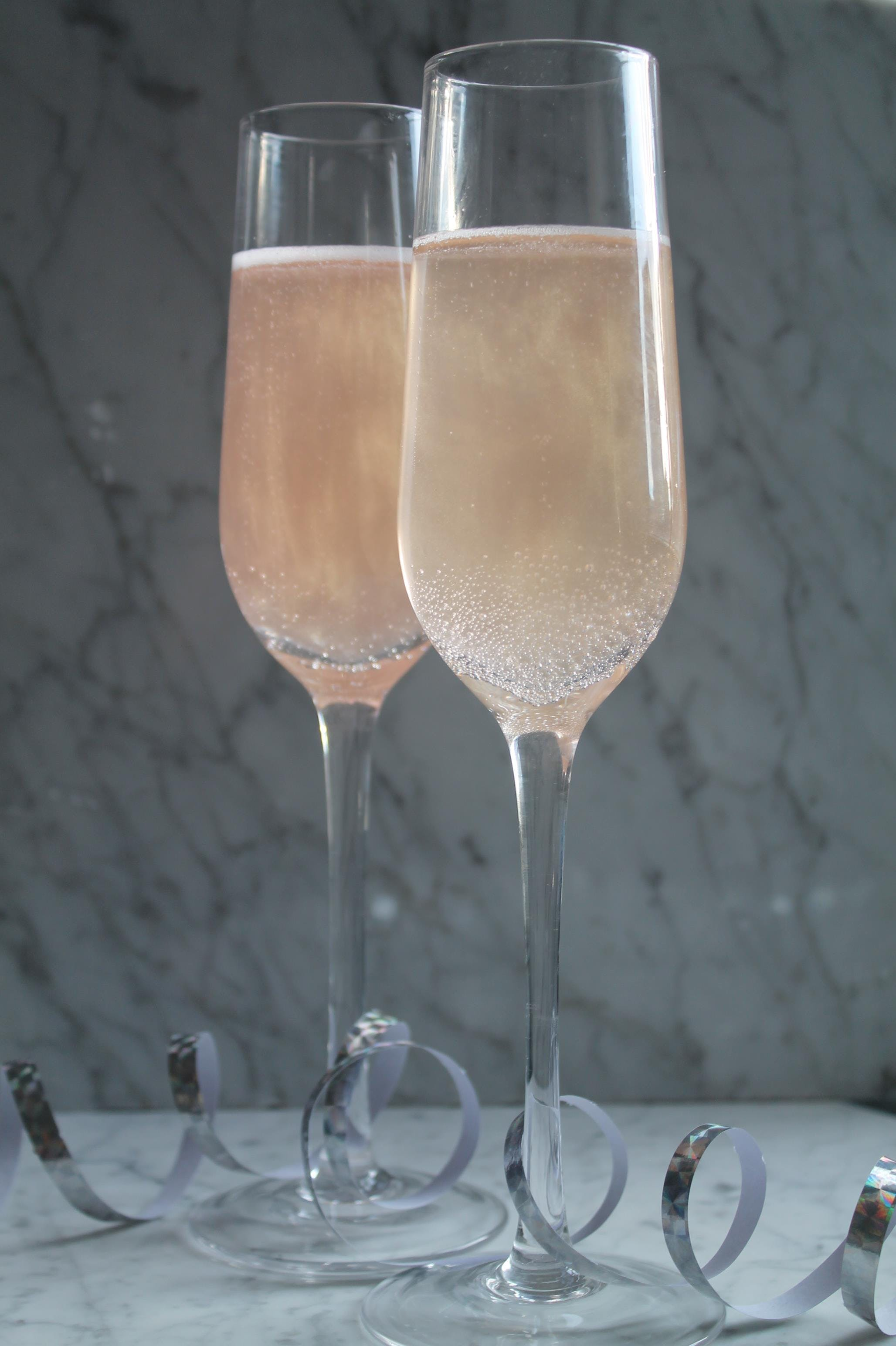 champagne nytår bobler pop a ball