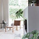 læsehjørne pejs planter stue indretning