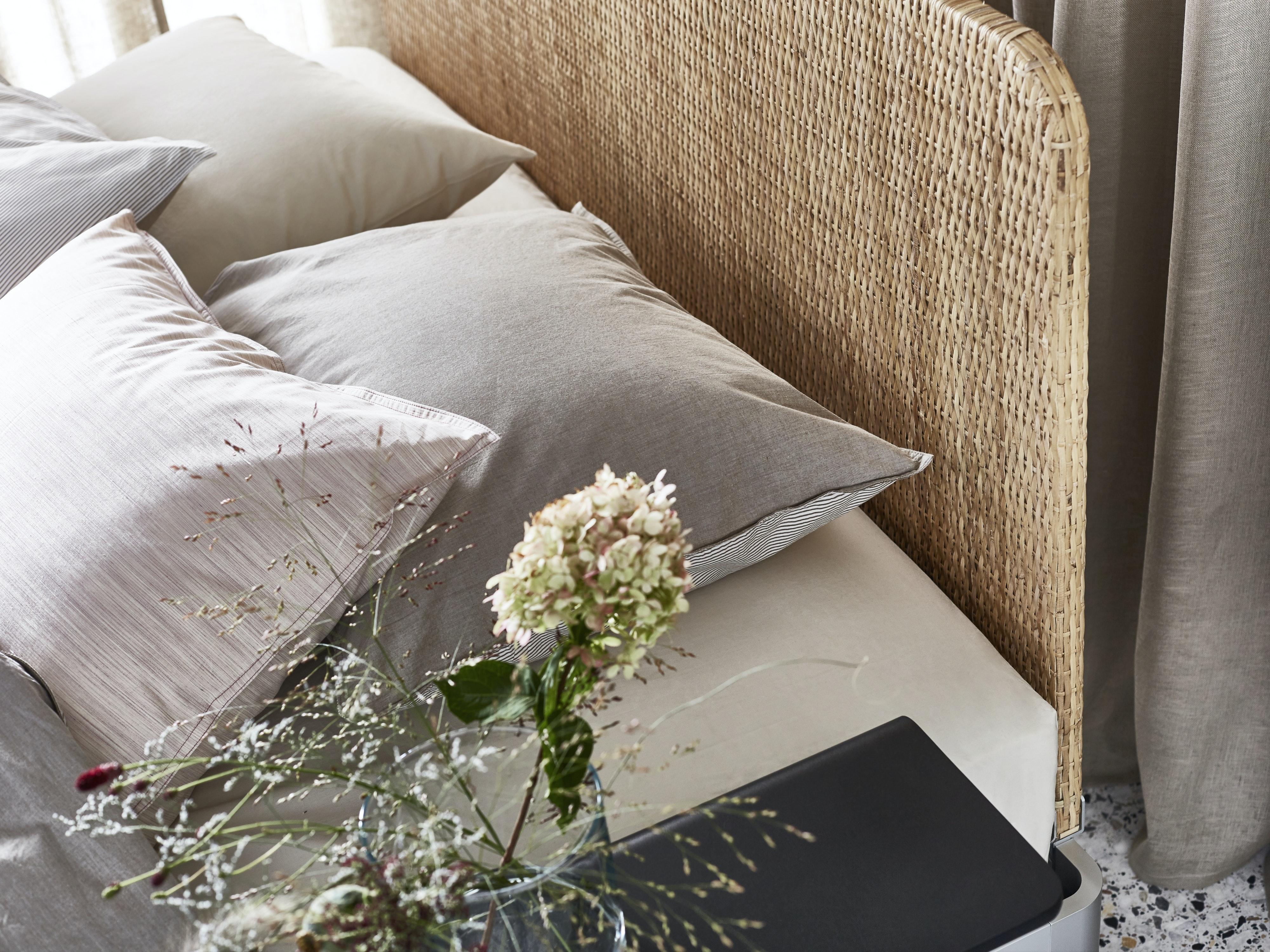 IKEA DELAKTIG seng med hovedgærde