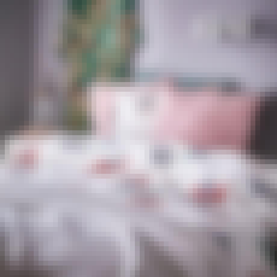Ullaktus, pude i lyserød