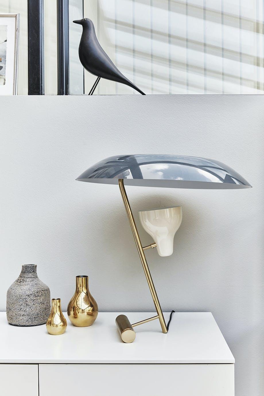Lampe tegnet af Gino Sarfatti