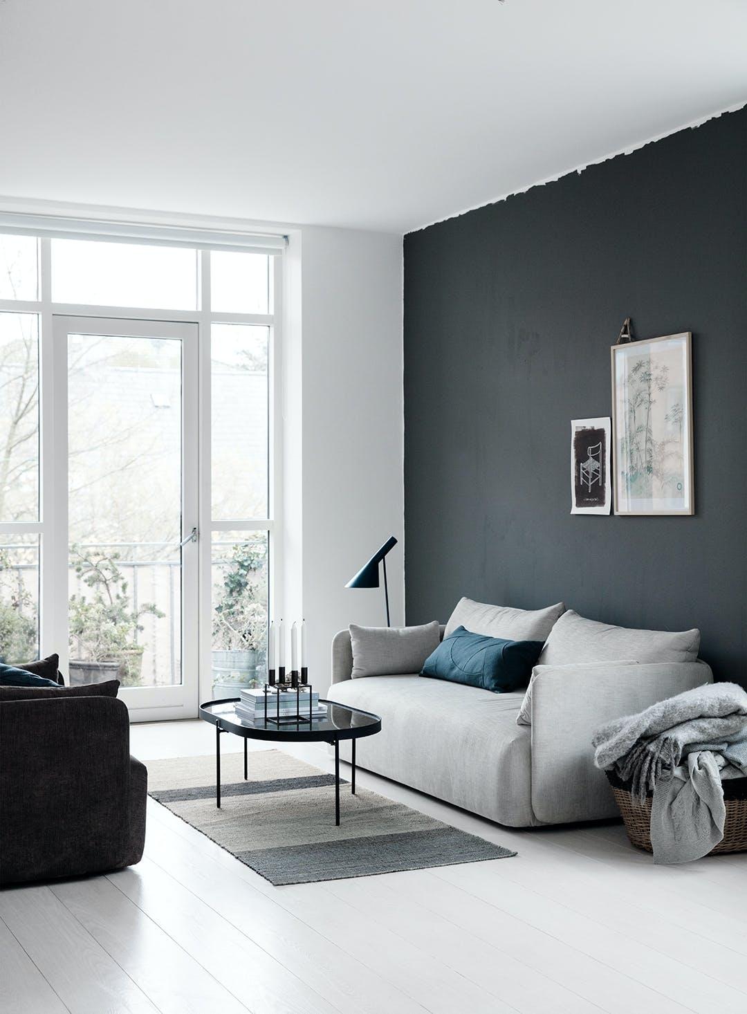 stue arne jacobsen malet væg sofa