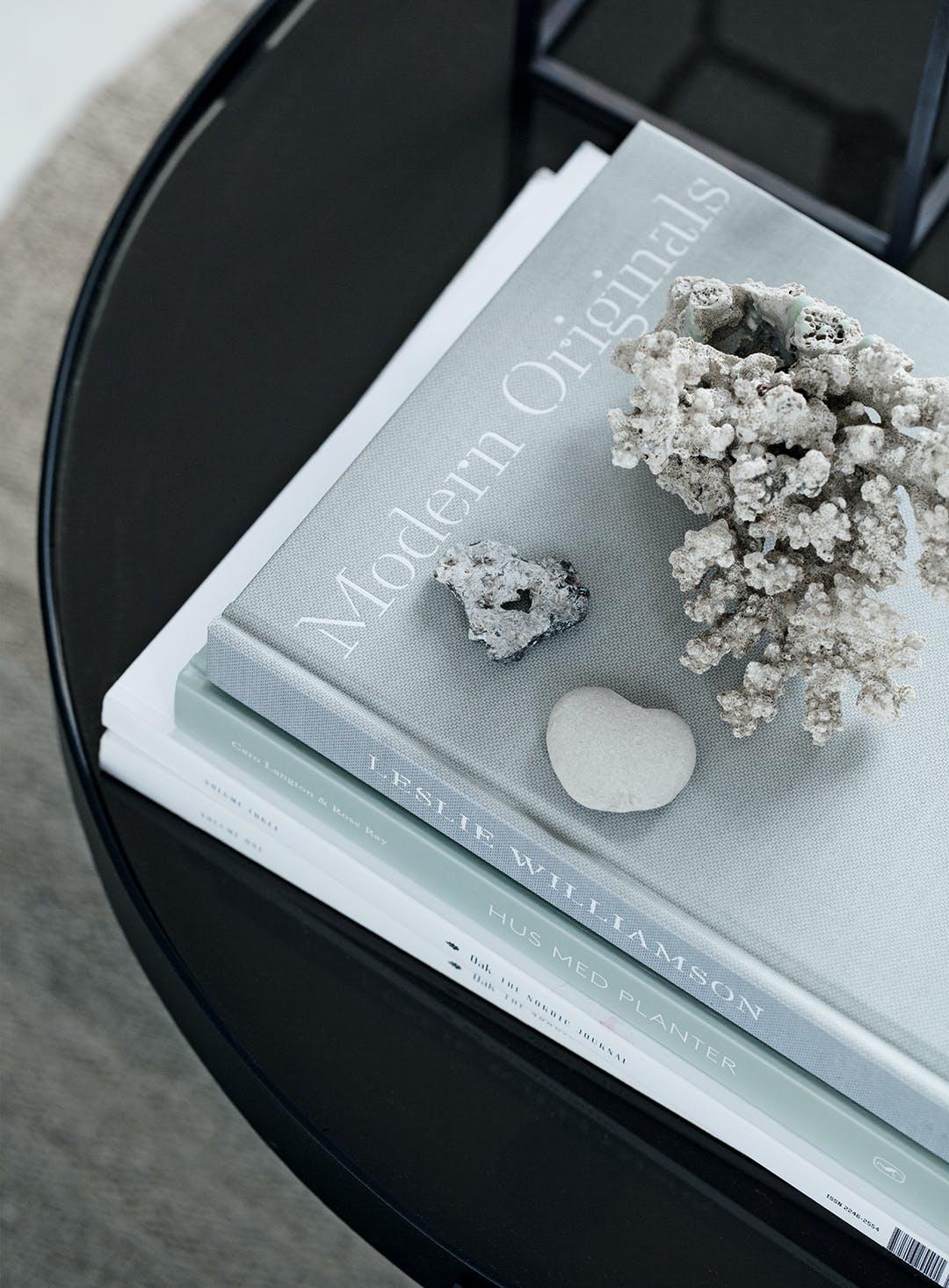 designerbøger strandfund stue