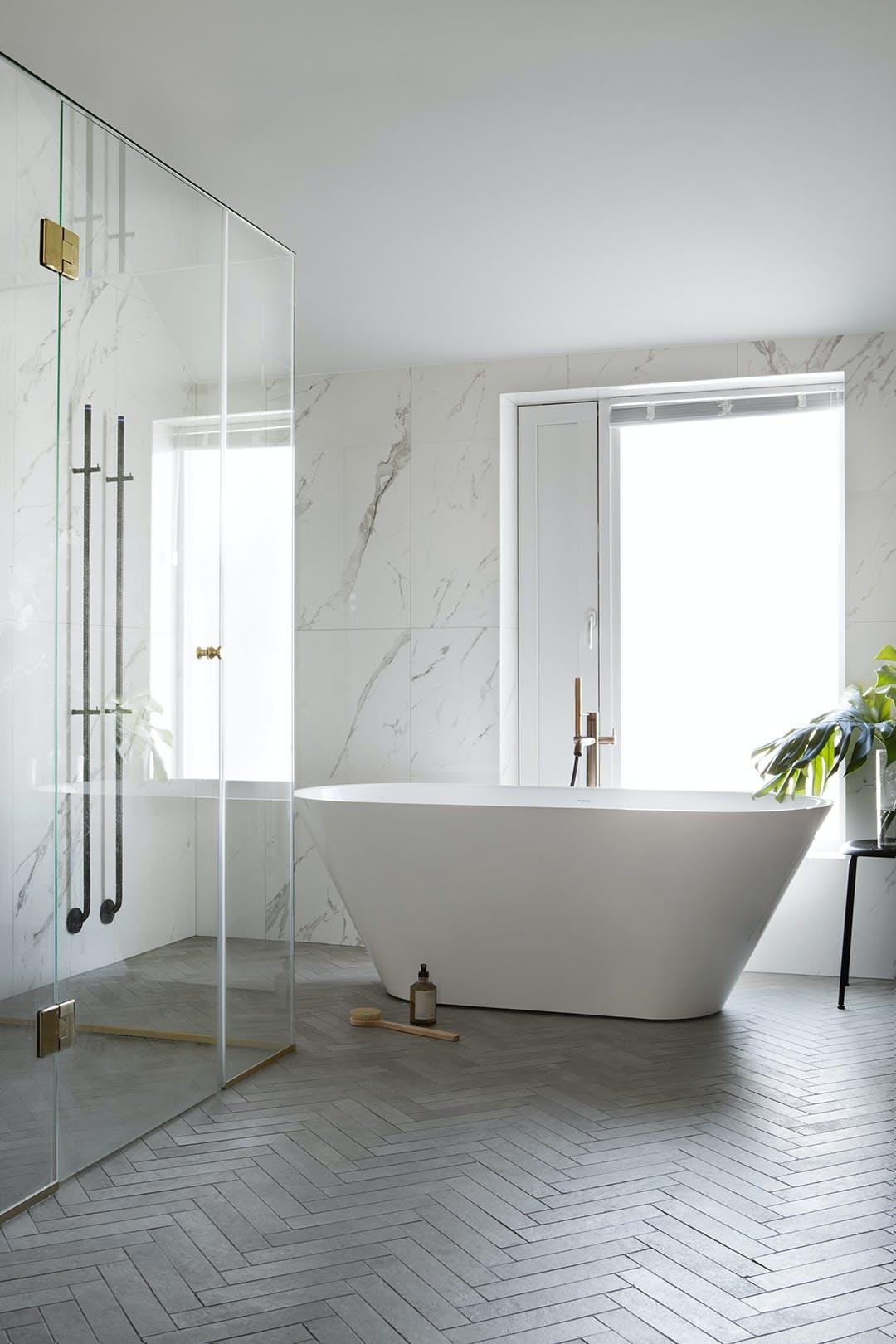 badeværelse badekar marmor