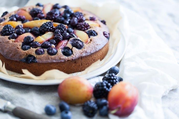 glutenfri opskrift på kage med blåbær