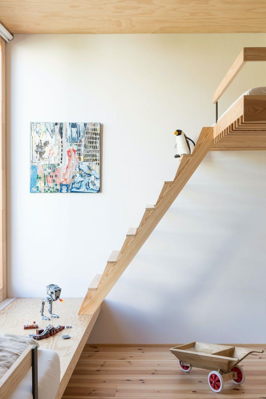 trappestige på barnerom