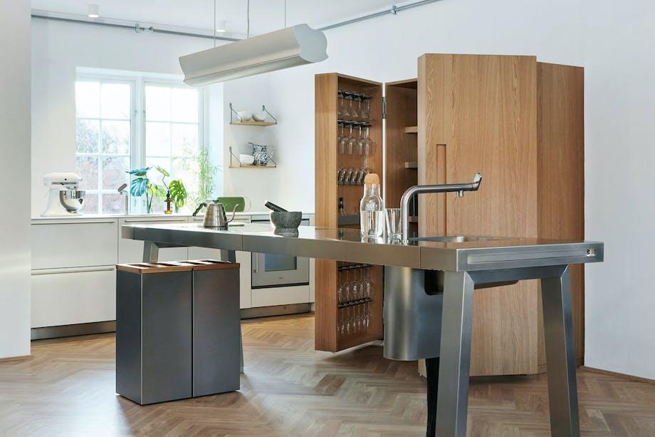 Kjøkken i et eikeskap