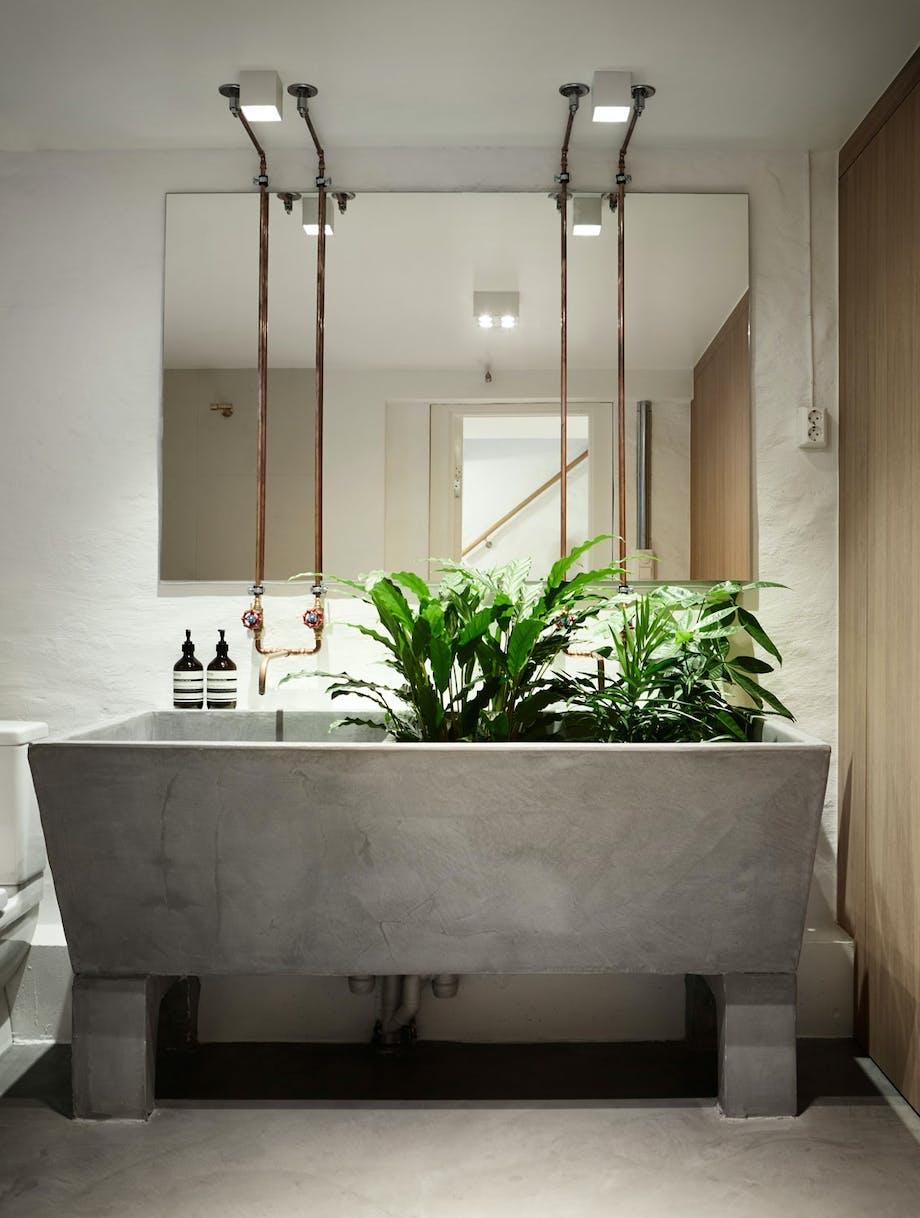 Vaskerom med praktisk betongvask