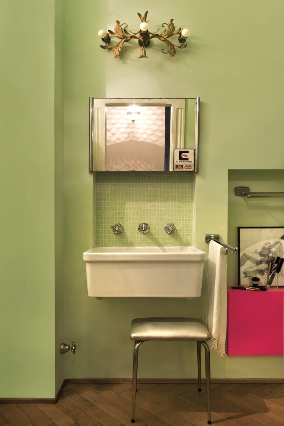 Mal veggene på badet!