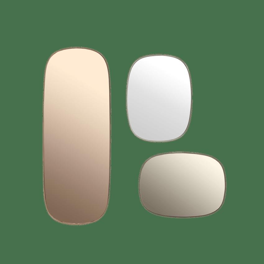 Iøynefallende speil