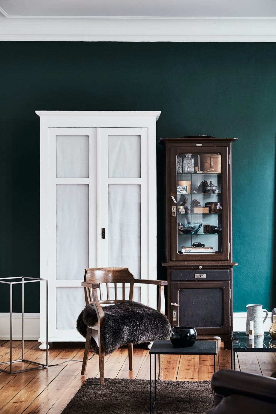 Karakterfull stue i juvelfarger