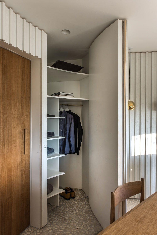 Skjult garderobe bak veggen