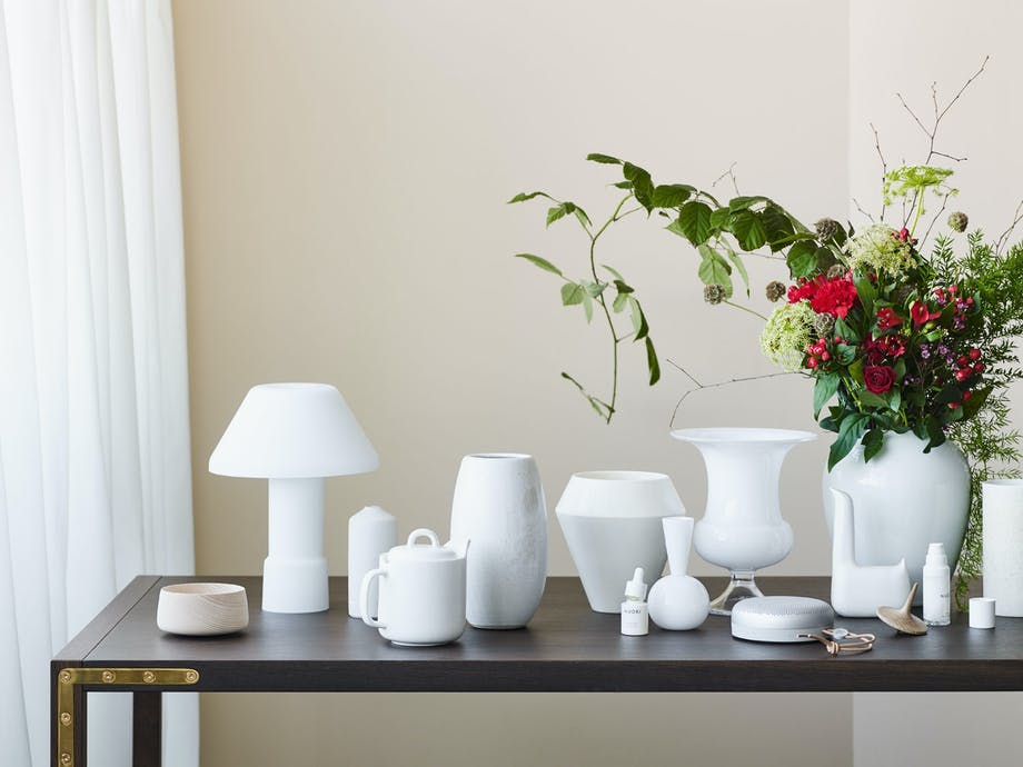 Hvite vaser i vakker samling