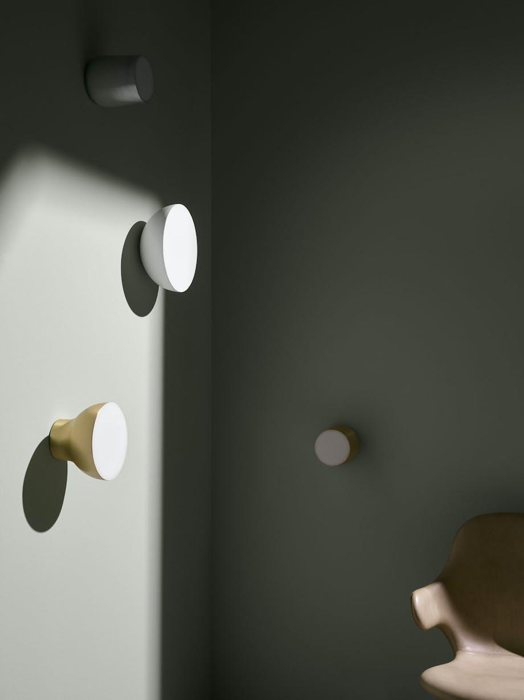 Vegglampen Passepartout, designet av Jaime Hayon