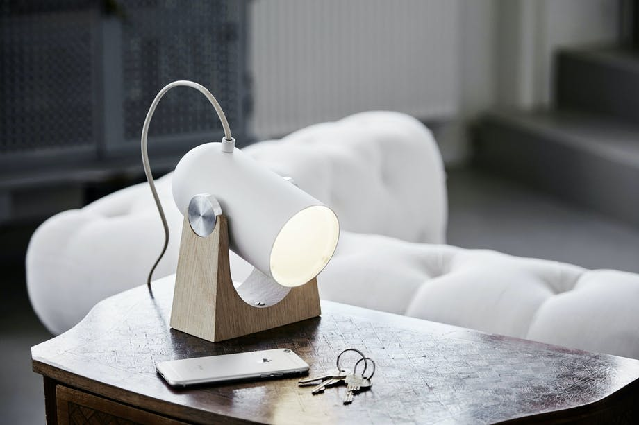 Bordlampen Carronade, design Markus Johansson, Le Klint.