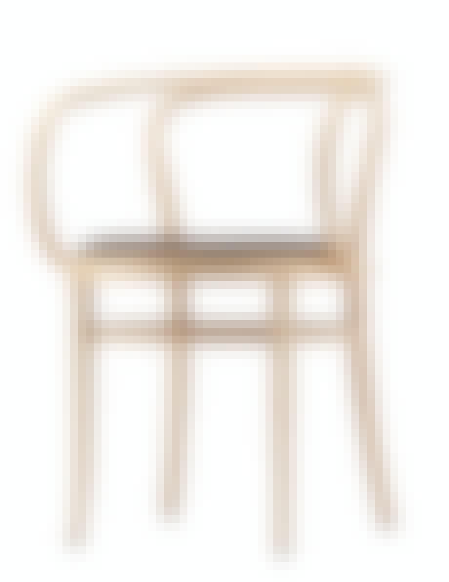 spisestuestol fra Thonet i ask med skinnsete