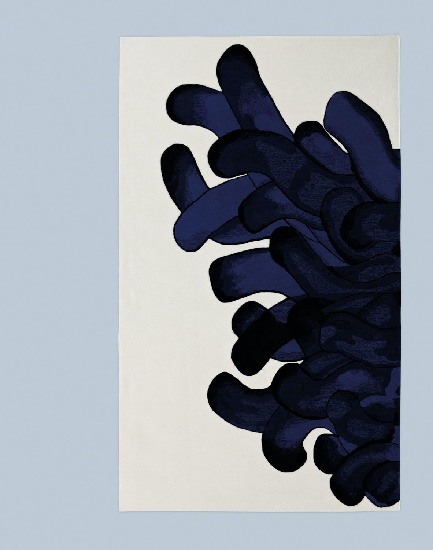 teppe med anemonedesign