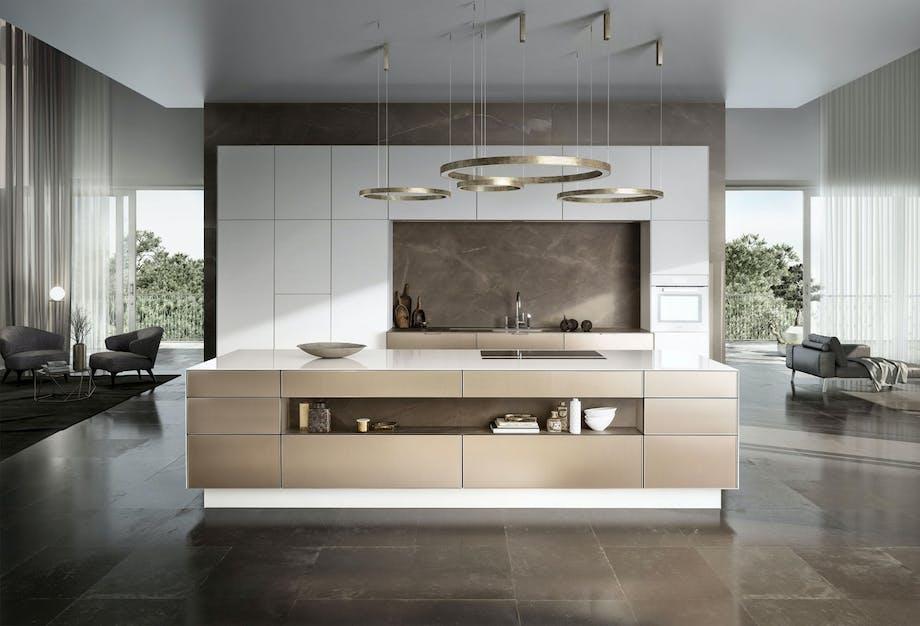 Kjøkken med metalliske flater