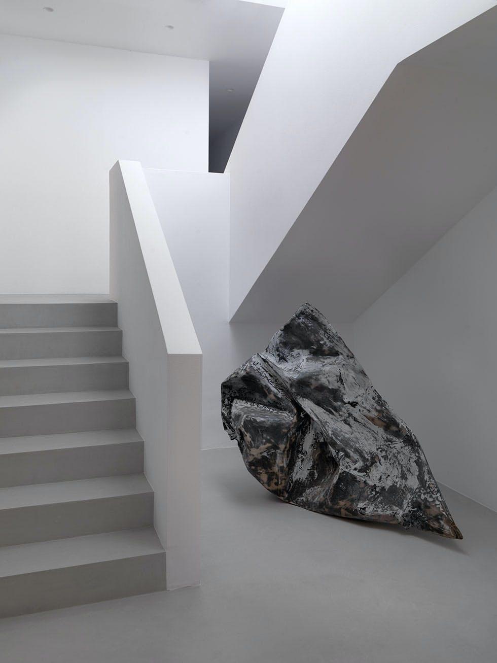 6. Hvit og stilren trapp
