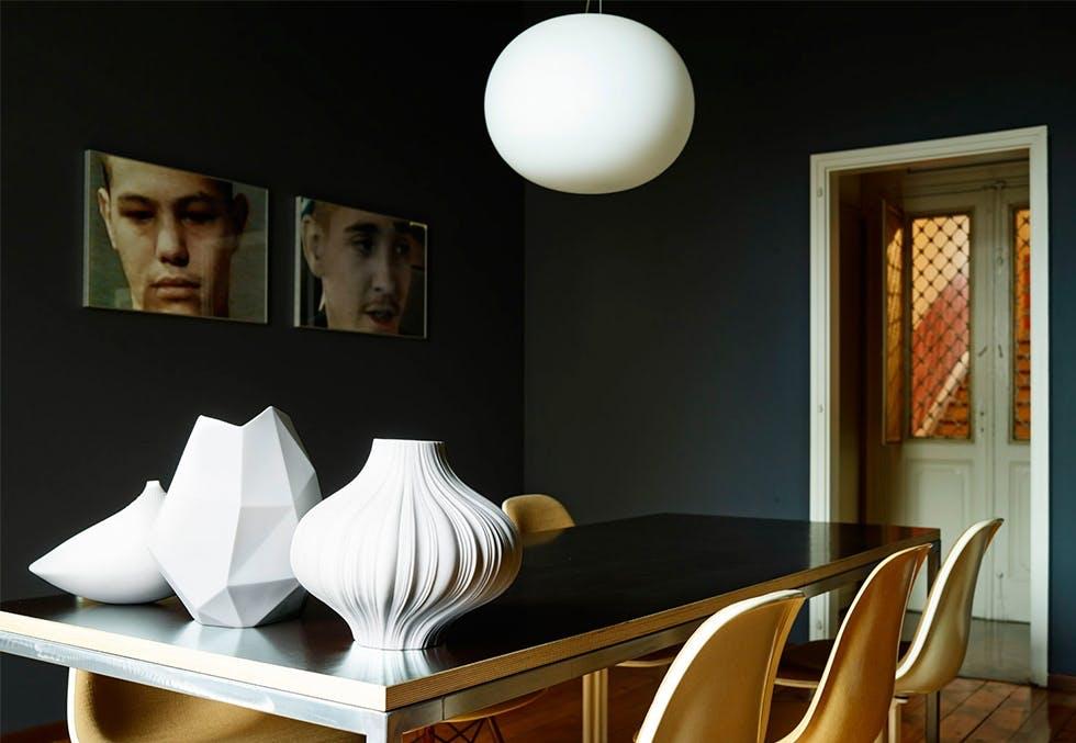 Leilighet med en fin samling av design og interiør-skatter.