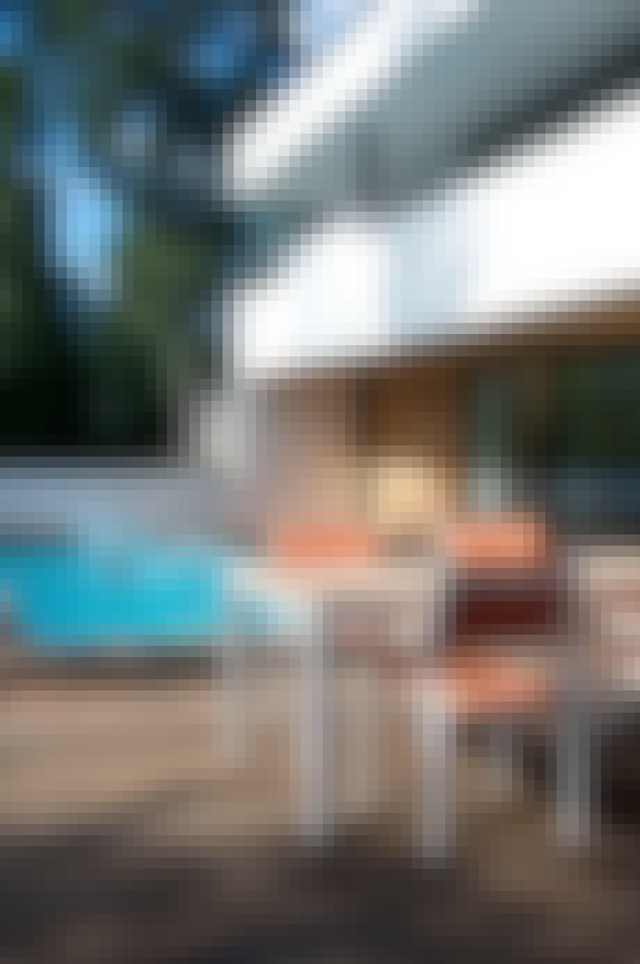 Svømmebassenget i drømmehuset er armert med glassfiberstenger i stedet for stålarmering. Dermed unngås rust og kjemikalieangrep i bassenget.