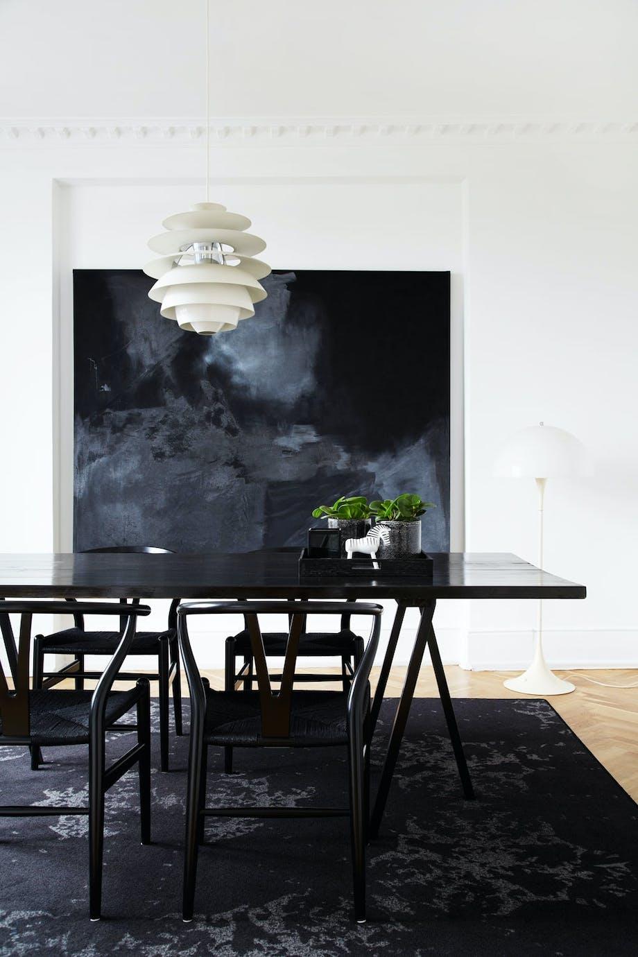 Spisebord av gulvplanker