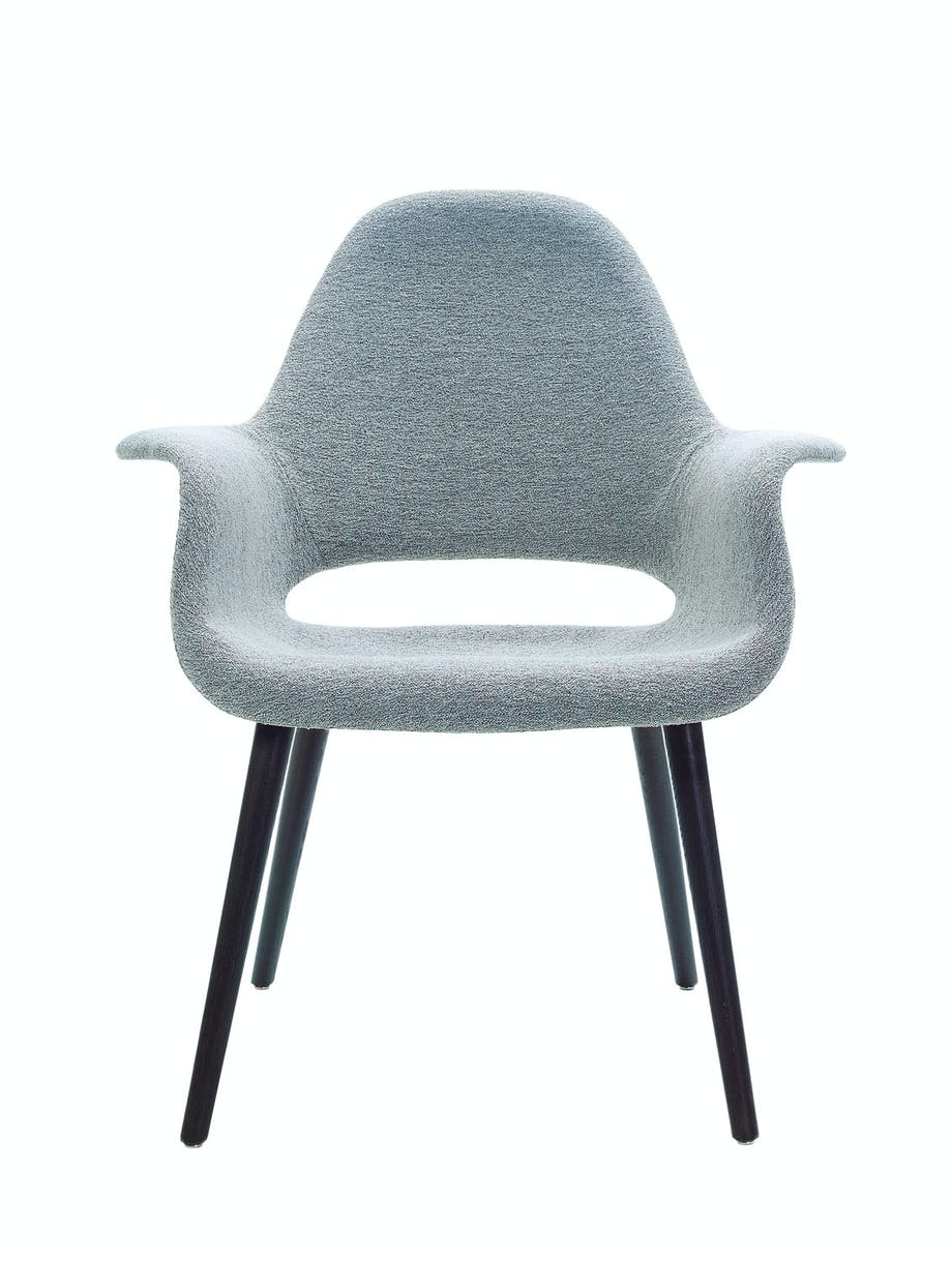 Spisestuestol The Organic Conference, design Charles Eames & Eero Saarinen, fra 15 392 kr, Vitra.