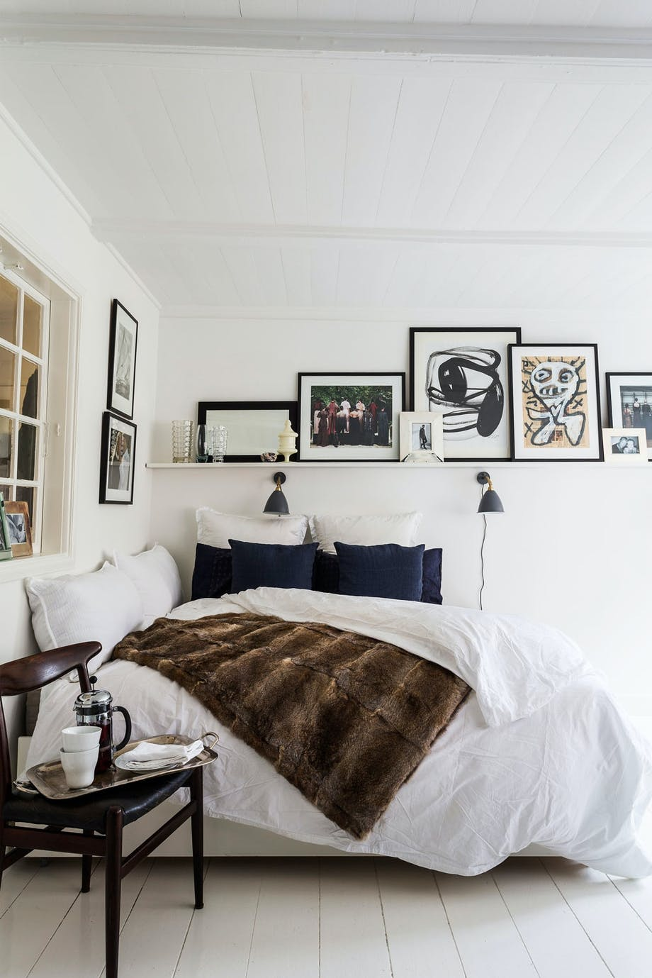 Perfekt seng for trangbodde: Sofaen kan brettes til en romslig seng.