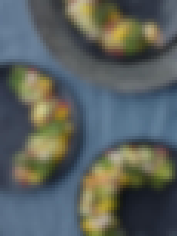 Rekeceviche med granat-eple og grønnkålchips