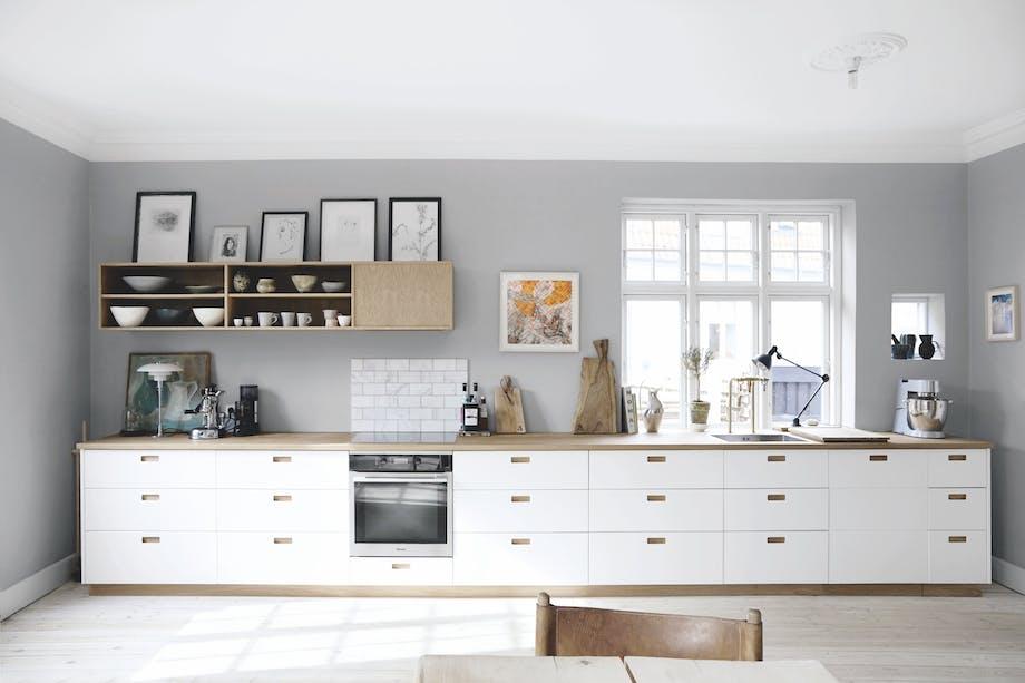 Godt lys og god stemning på kjøkkenet