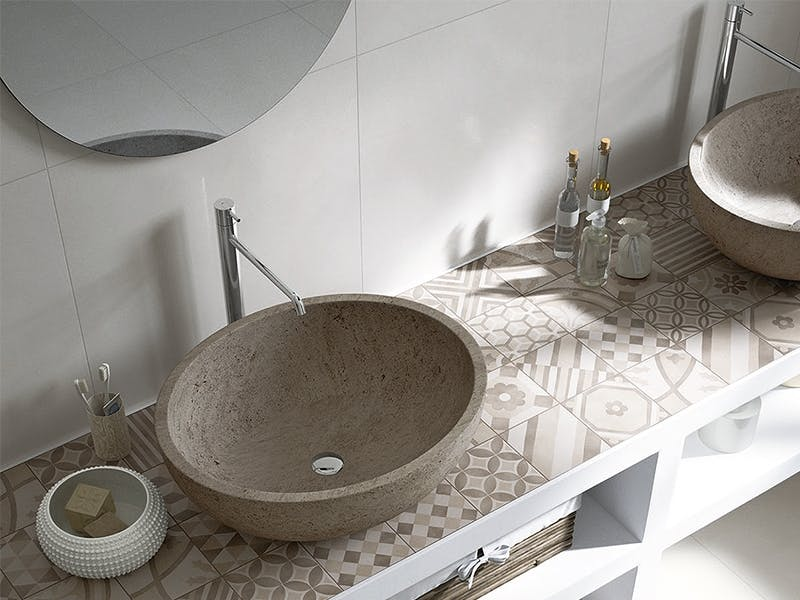 Fine fliser gjør badet eksklusivt