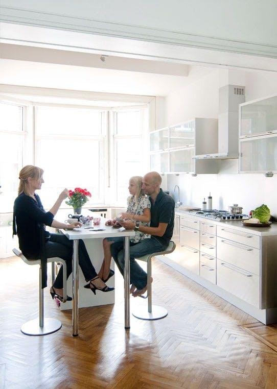 Godt utnyttet plass på smalt kjøkken