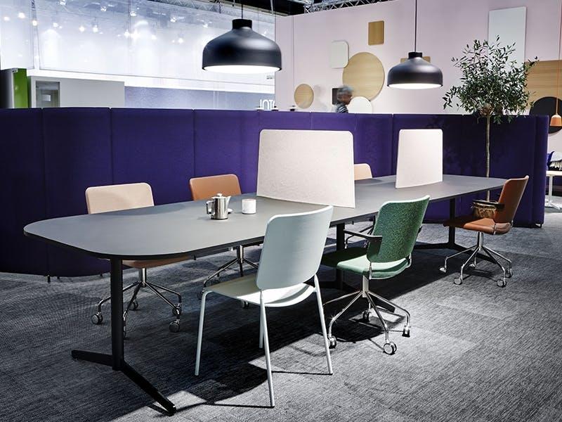 Årets dialogmøbel, i samarbeid med Deloitte Prisen gis til det produktet som på en spesiell måte fremmer dialog, kommunikasjon og samhandling mellom ansatte på en arbeidsplass. &...