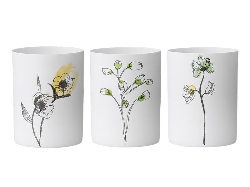 Små vaser til selvplukkede vårblomster