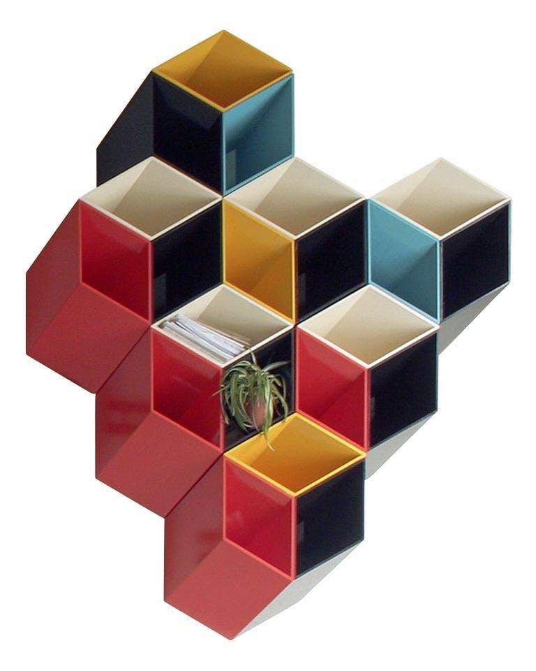 Årets design Kriterium: Årets designpris gis til et anvendelig og teknisk godt produkt som viser nytenkning og har et tydelig formspråk.